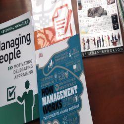 Bộ Sách Hình Ảnh Về Essential Management của DK